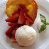 coppa-fragole-con-gelato-vaniglia